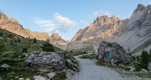 Multi pitch rock climbing Lienzer Dolomites