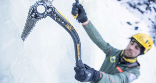 Ice climbing course for intermediate Climbers